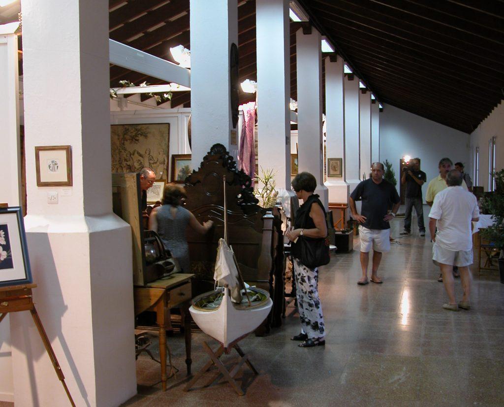 Feria de antiguedades, Es Mercadal, Menorca